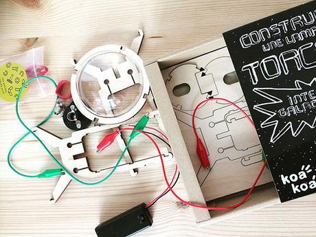 Koa Koa Construis une lampe torche