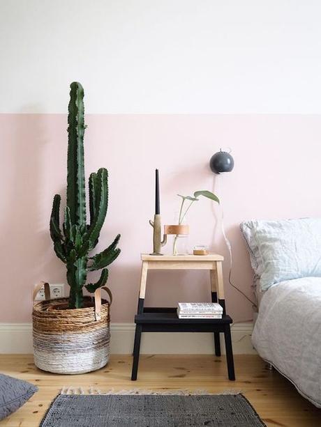 chambre rose et verte sous bassement cactus - blog déco - clem around the corner