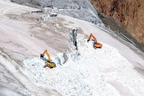 Extension de domaines skiables au mépris de la protection des glaciers