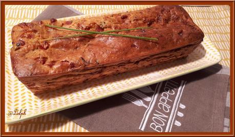 Cake courgette, tomates séchées jambon