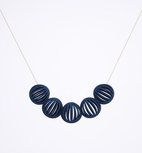 line pierron bijoux collier astral bleu foncé - blog déco - clem around the corner