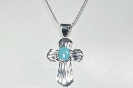 pendentif croix argent avec turquoise ovale