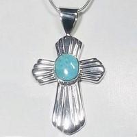 croix catholique en argent avec pierre de turquoise