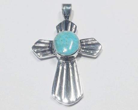 pendentif croix en argent massif et pierre de turquoise