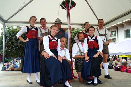 autriche tyrol zillertal zell am ziller almabtrieb danse traditionelle