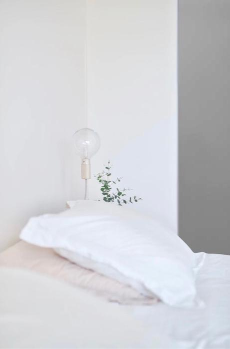 chambre chauffée avec radiateur électrique acova chambre minimaliste tendance - blog déco - clemaroundthecorner