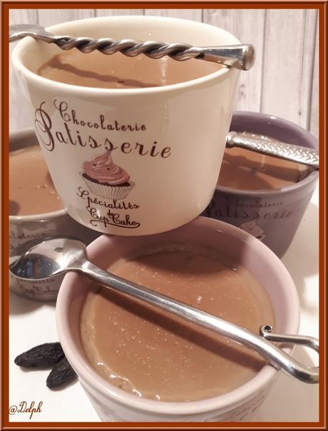 Crèmes au Chocolat et Tonka Light