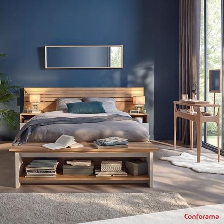 chambre apaisante lit rangement ouvert design bois massif mur bleu gris foncé peinture