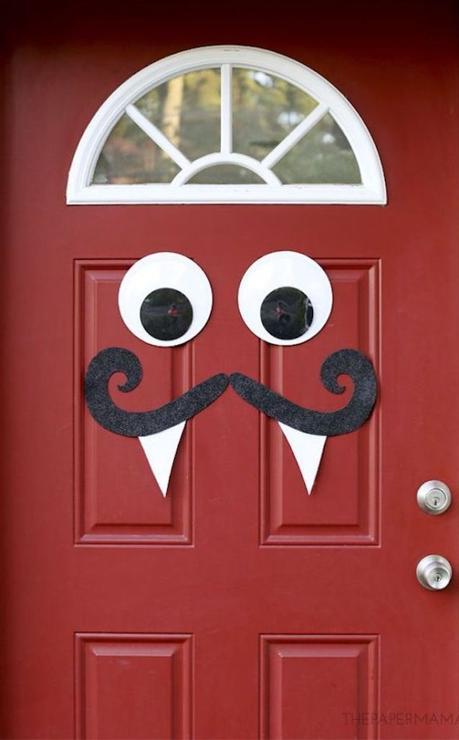 décorer sa porte d'entrée maison pour Halloween monstre papier rigolo autocollant