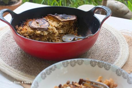 Gâteau d'aubergines à l'agneau et au riz