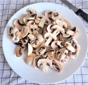 Petites tourtes aux champignons et confit de canard
