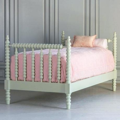 spindle daybed wood spindle daybed