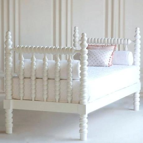 spindle daybed spindle daybed with trundle