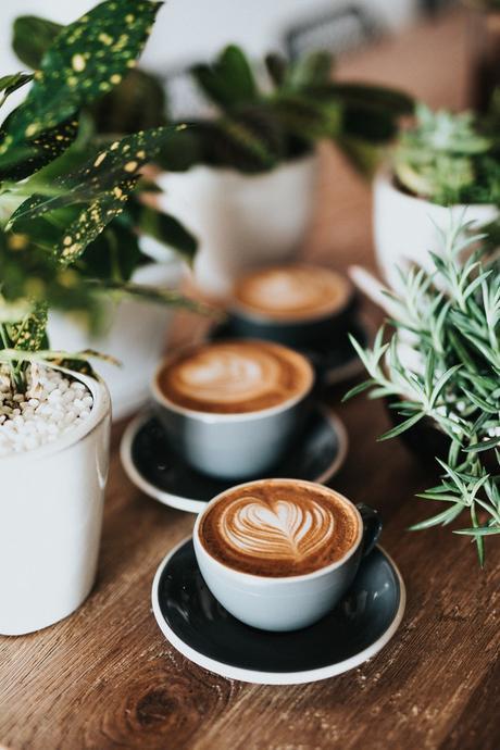 ma sélection déco pour un brunch maison café machine à expresso cafetière - blog déco - décoration clemaroundthecorner