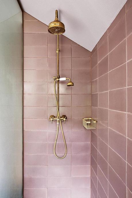 rose blush douche laiton marbre blanc carrelage rectangle - blog déco - clem around the corner