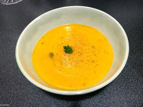 Orange – Soupe de carotte un peu à l'indienne