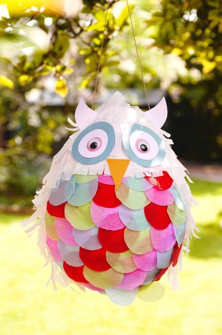 idée originale pour un anniversaire bonbons panier en forme de hibou chouette couleurs