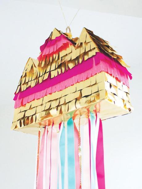 maison panier à bonbons colorée doré rose bleu multicolor girly idée déco cérémonie