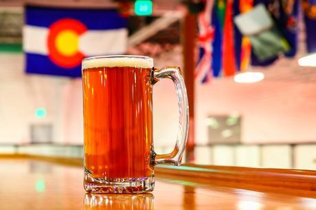 Une bière faite maison: une nouvelle tendance de l'artisanal