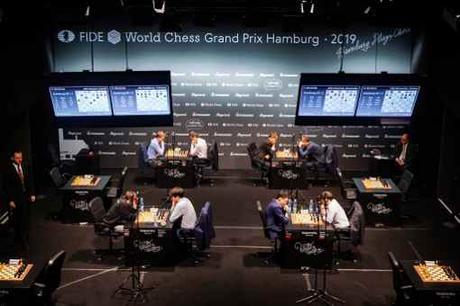 La vue sur le scène avec les rencontres d'échecs - Photo © site officiel