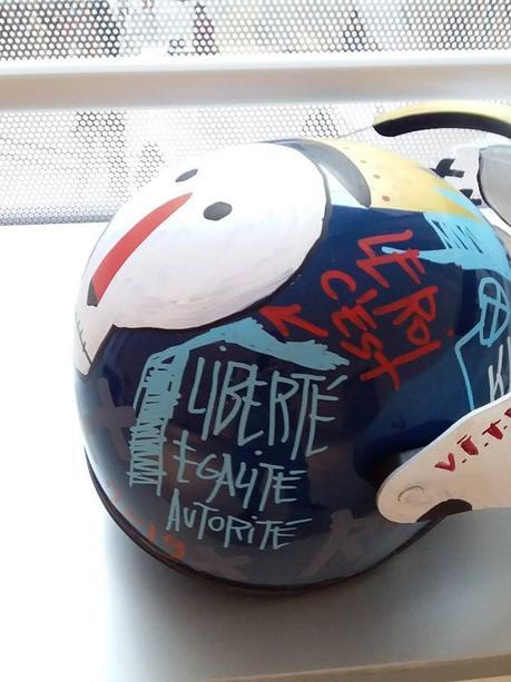 Custom d'un casque de gendarmerie