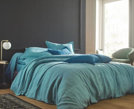chambre grise camaieu bleu nuance céladon turquoise clair lit housse lin made in france