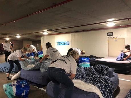 Des parkings transformés en refuges pour sans-abri la nuit