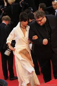 Les soucis de tenues de Sophie Marceau lors des festival de Cannes