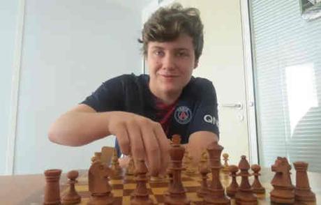 Portrait d'un jeune joueur d'échecs Floryan Eugène (2337 Elo) - Photo © 20 minutes