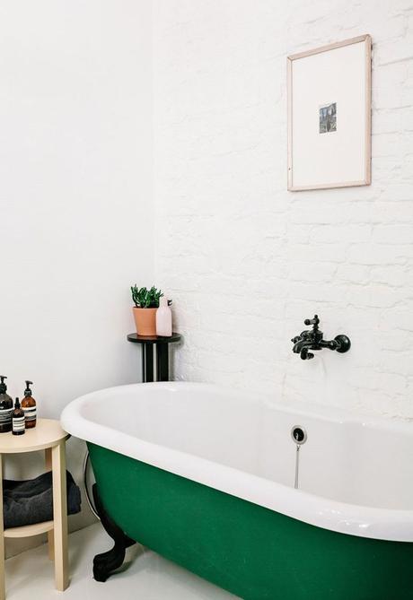 clemaroundthecorner salle de bain style industriel mur en briques blanches