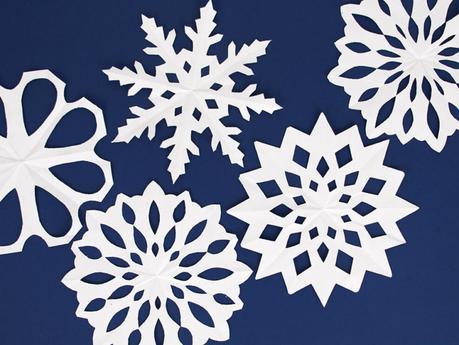 DIY gratuit flocons papier pour un anniversaire reine des neiges
