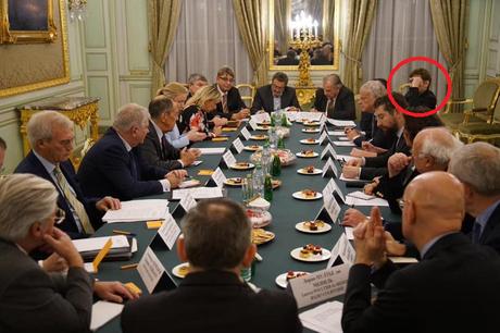 « Les réseaux du Kremlin » n'existent pas, mais nous les avons rencontrés… #Thinkerview #Berruyer #Giletsjaunes #AfD