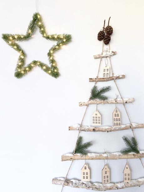 décorer ses murs sans percer sapin de Noël diy rondin bouleau enneigé