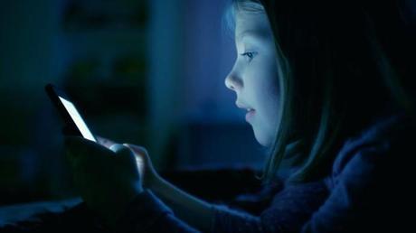 blue light phone blue light apple phone