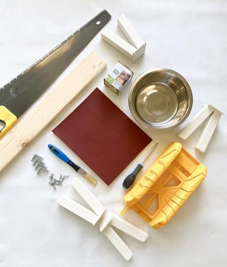 tutoriel explication pour fabriquer soi-même niche porte gamelle bois pour chien diy scie