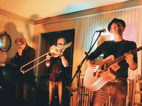 Gilles de Suez and the Little Big Band au bar-hôtel Le Saint-Yves, à Tréguier, le 29 novembre 2019