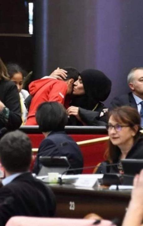 Julien Odoul #RN ne recule devant rien. Né avant la honte…