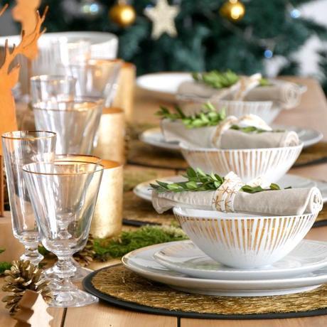 table fête noël nouvel an champêtre plante verte