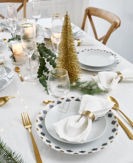 table de Noël blanche et or assiette art déco éventail motif