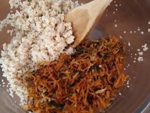 Courge White Accorn farcie à la semoule et carotte