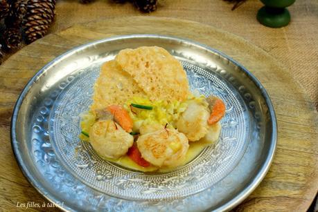 Saint-Jacques aux poireaux, tuiles de parmesan