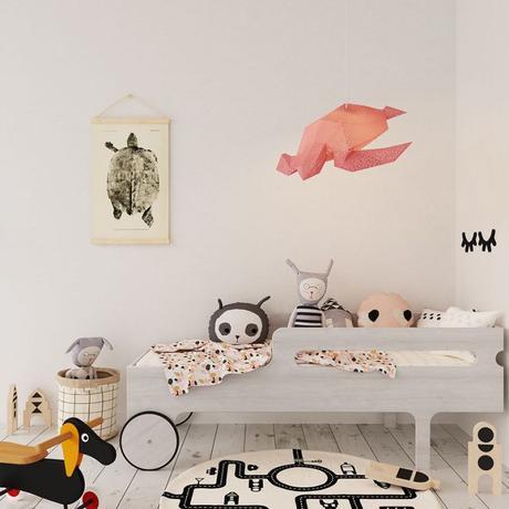 luminaire en papier tortue rose chambre enfant gris pastel parquet bois blanc