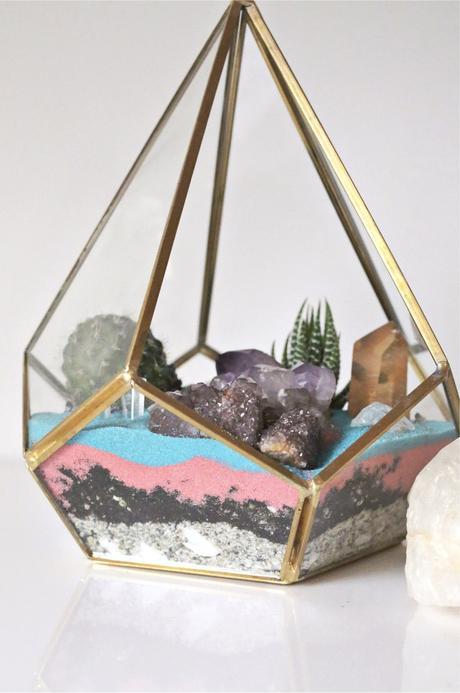 diy terrarium sable couleurs cristaux décoration coloré - blog déco - clem around the corner