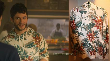YOU : Forty's white floral hoodie in S1E01