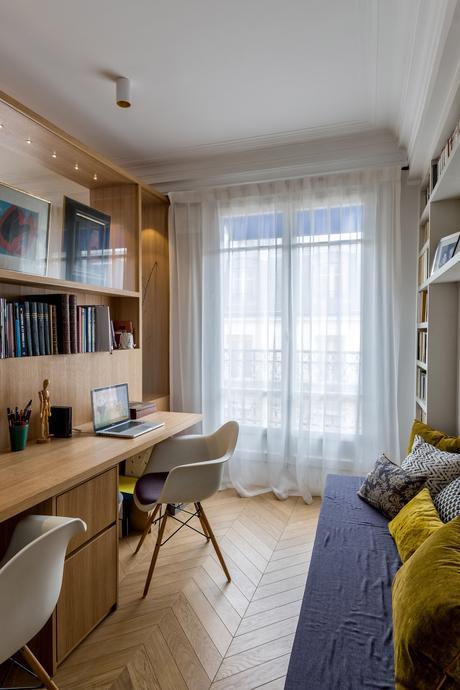 décoration bohème chic bureau chambre amis table banquette couleurs bleu jaune - blog déco - clem around the corner