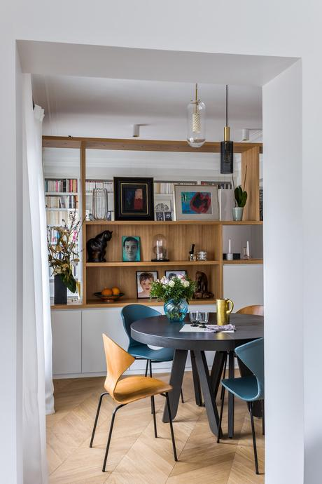 décoration bohème chic salle à manger style vintage bibliothèque bois - blog déco - clem around the corner