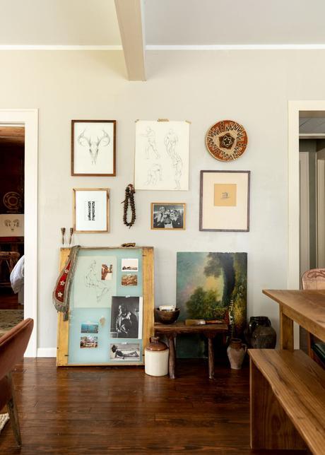 salon tableau peintre photo oeuvre d'art parquet bois