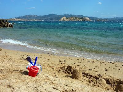 https://voyagestousrisques.blogspot.com/2019/12/sardaigne-belles-plages.html