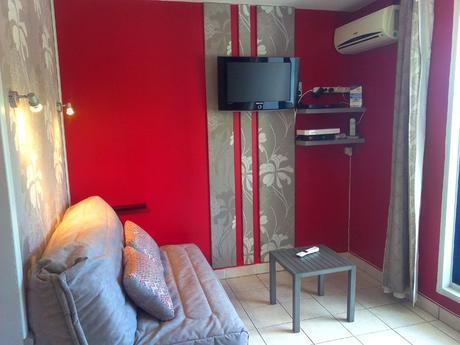 Salon studio à louer vacances Ste Marie