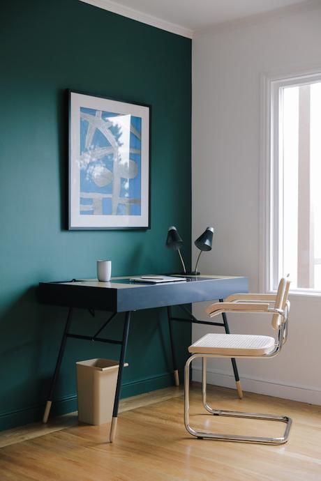 bien travailler en télétravail coin bureau scandinave vert sapin home office -  blog déco - clemaroundthecorner